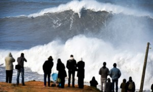 CORRECTION Portugal Big Wave
